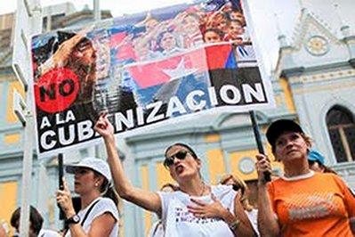 Venezolanos protestan contra la cubanizacion de su pais